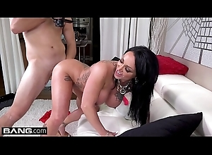 Latina MILF Ashton Blake flashes her pussy in a put over a produce greens