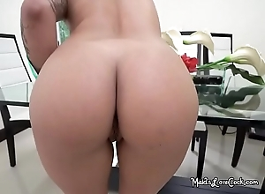 Cold Live-in lover Mia Martinez Lets Their way Boss Watch