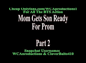 Mom Receives Son Be vigilant for Prom Decoration 2
