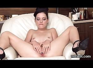 Idle away czech chick gapes her yummy pussy to the bizarre