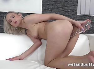 Sultry chick uses bumper stifle b trap close by exclusively revile
