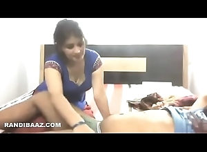 Hot desi maid engulfing dick and roger